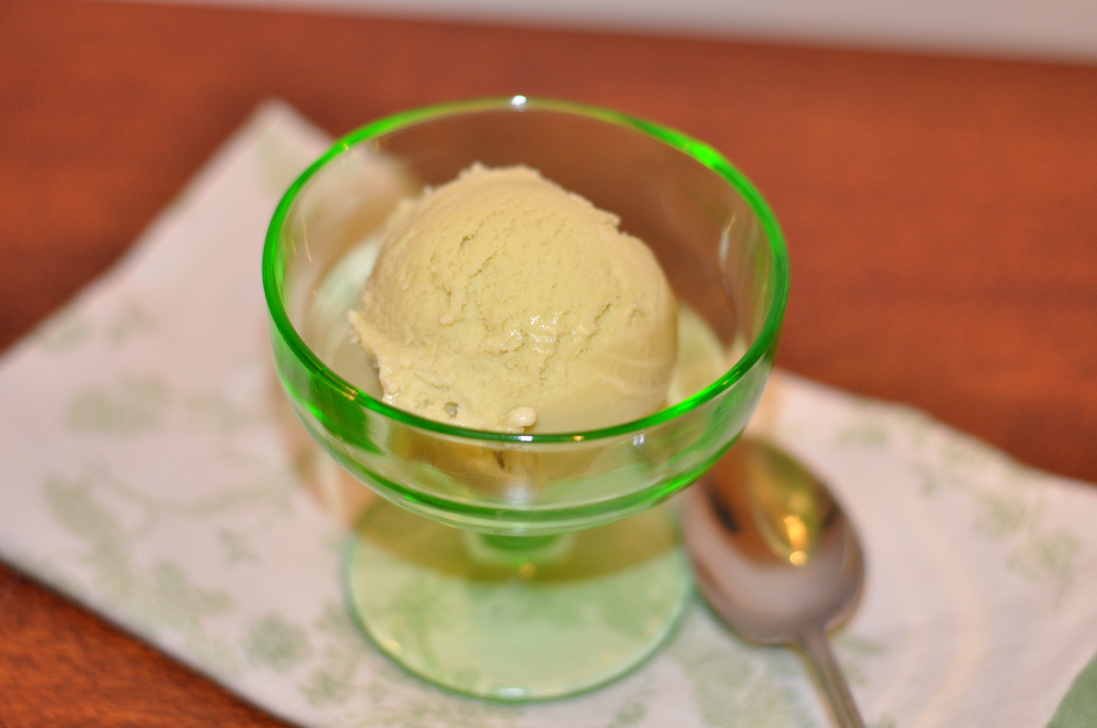 pistachio gelato. | peaches & cake